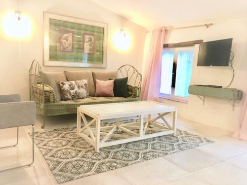 appartement Campsis de 4 personnes à louer au Mas Picangol (66400 OMS - Pyrénées Orientales)
