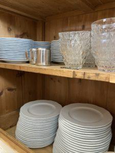 vaisselle vintage pour location de salle