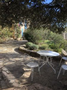 terrasse avec vue magnifique sur le village de Oms (66)