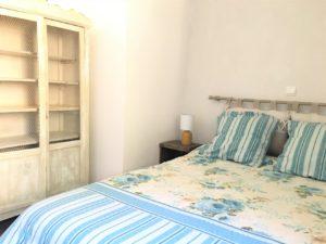 linge de lit délicat pour cette chambre