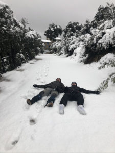 s'amuser dans la neige au Mas picagnol