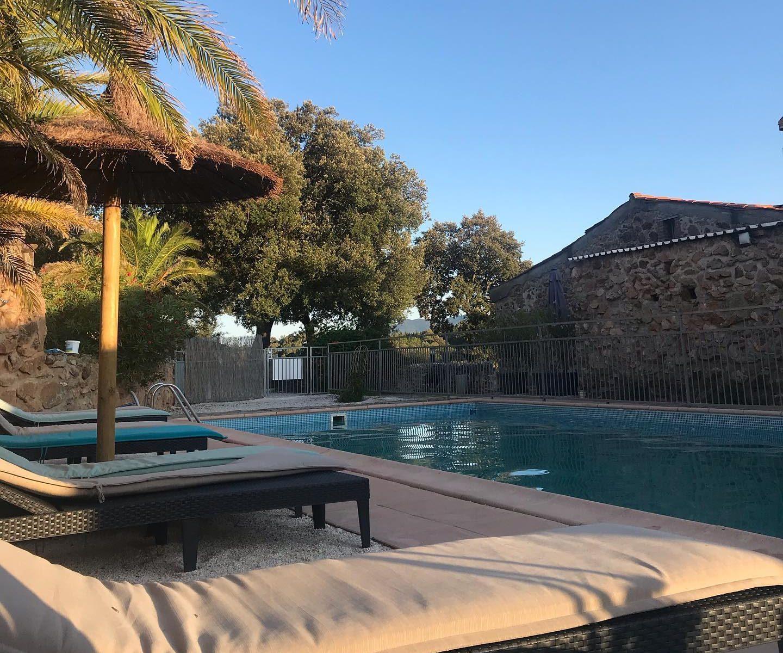 contacter le Mas Picagnol pour réserver vos vacances